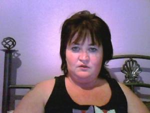 I am Angela a single elegant woman looking for discrete, adventurous sex,